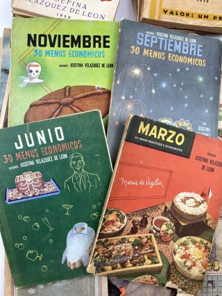 [Large Collection of Cook Books Published by the Premier Celebrity Chef of Mexico]